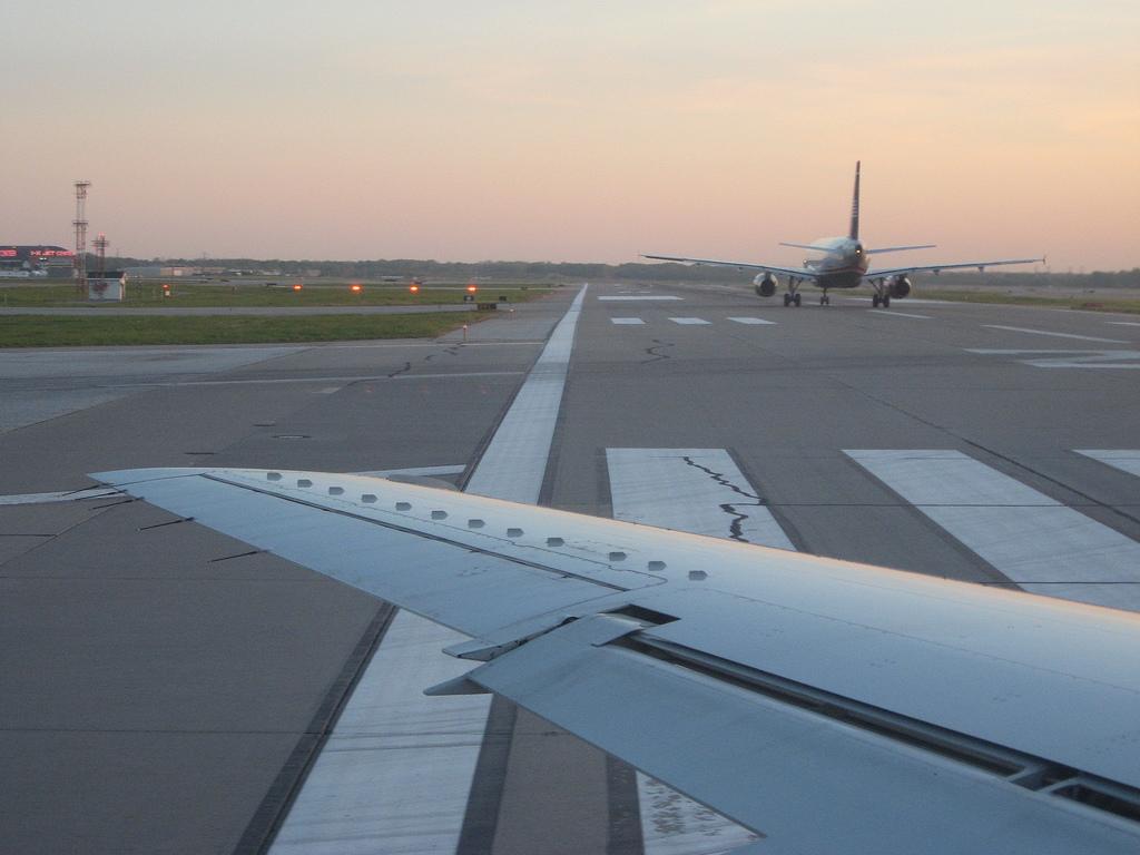 https://flic.kr/p/LfHss Next to takeoff at CLE Brian Herzog / Flikr CC BY-NC-SA 2.0 https://creativecommons.org/licenses/by-nc-sa/2.0/